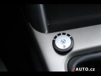 Prodám Subaru Forester 2,0 PANORAMA - výhřev sedače