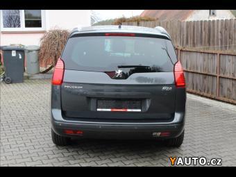 Prodám Peugeot 5008 2,0 HDi Féline - TV - PANORAM