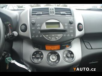 Prodám Toyota RAV4 2,2 D4-D, 1MAJ