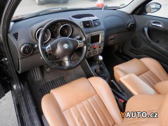 Prodám Alfa Romeo 147 1,6i KUŽE, NAVIGACE