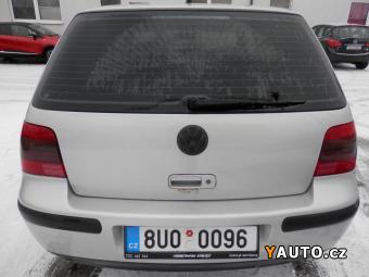Prodám Volkswagen Golf 1.6i 74 kW NAJ. 137000 km