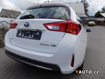 Prodám Toyota Auris 1.8 HYBRID TOURING SPORTS