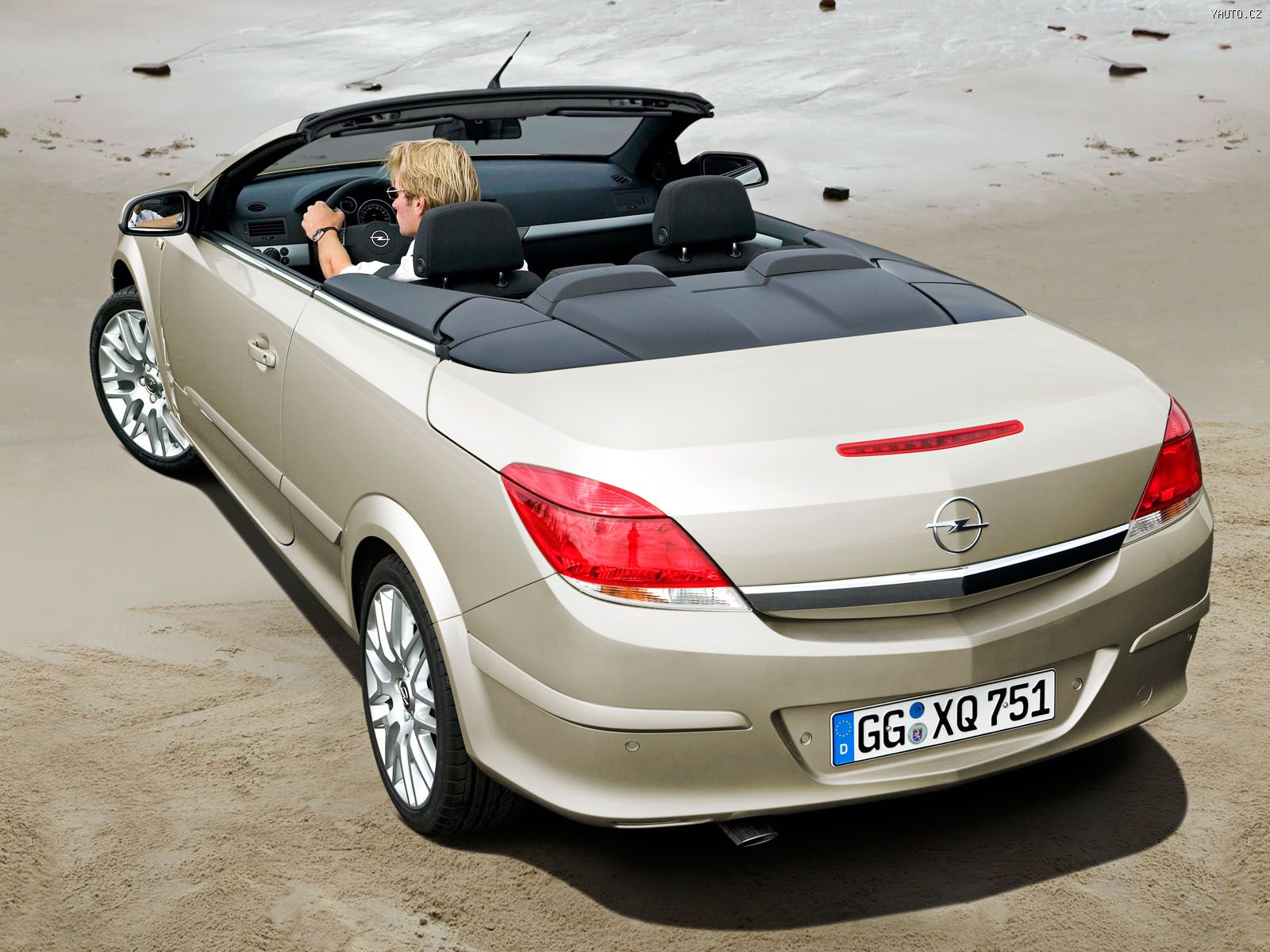 opel astra twintop 2006 auta na plochu tapety na plochu wallpapers. Black Bedroom Furniture Sets. Home Design Ideas