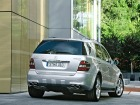 Mercedes Benz ML63 AMG (2005)